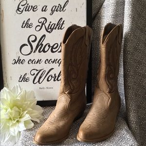 American Eagle Outfitters - Cowboy Boots